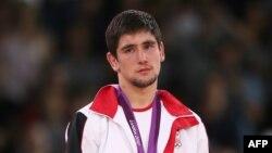 Что же касается звания лучшего спортсмена, то его удостоился 24-летний борец вольного стиля Владимир Хинчегашвили