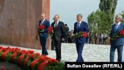 Үркүн курмандыктарын эскерүүгө Орусиянын президенти Владимир Путин барган учур. 17-сентябрь, 2016-жыл
