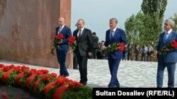 Владимир Путин на церемонии возложения цветов к памятнику Уркуну, 17 сентября 2016 г.