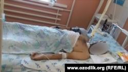 Ильхомбой Садуллаев в реанимационном отделении Турткульской районной больницы Каракалпакстана. Фото предоставлено редакции «Озодлика» семьей покойного.