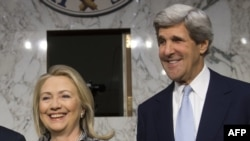 Nga një takim sivjet i skretares së Shtetit Hillary Clinton dhe senatorit John Kerry