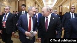 Премьер-министр Армении Никол Пашинян и президент РФ Владимир Путин