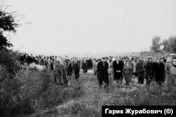 Несанкціонований мітинг у Бабиному Яру. 29 вересня 1966 року. Фото із архіву Еммануїла Діаманта.