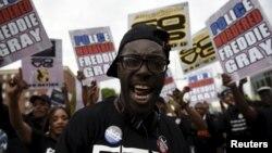 У Балтиморі тривають уже мирні протести, фото 1 травня 2015 року