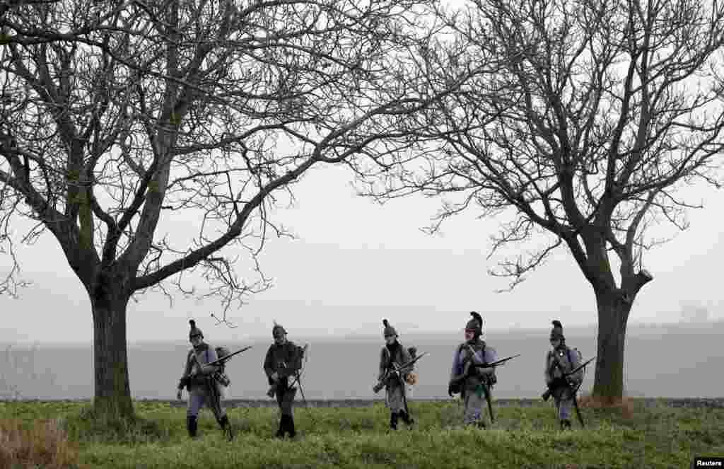 Историки несколько раз в год восстанавливают сражения из разных эпох.