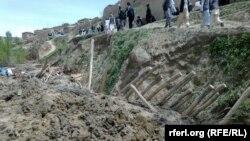 Бадахшан вилаятендә халык җир астында калган туганнарын эзли