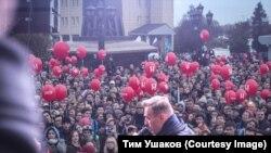 Алексей Навальный на встрече со сторонниками. Архивное фото.