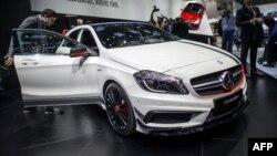 Ўзи юрар Mercedes Benz яқинда Германияда соатига 100 километр тезликда синаб кўрилди.
