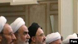 تغيير رويکرد با توجه به ويژگی های ساخت قدرت در جمهوری اسلامی، ضرورتا در بالاترين سطوح رهبری نظام به تاييد رسيده است.