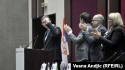 Čestitke predsedniku Srpske napredne stranke Aleksandru Vučiću nakon što je prihvatio kandidaturu za predsednika Srbije, sa sednice Glavnog odbora SNS-a u Beogradu