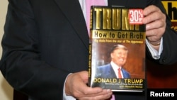 Donald Trump, 'How to Get Rich kitabı, New York, 2004