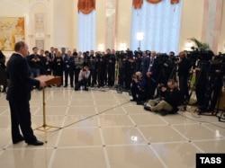 Владимир Путин обращается к журналистам. Минск, 12 февраля