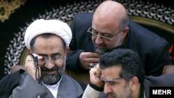 حیدر مصلحی (نفر اول چپ) وزیر اطلاعات جمهوری اسلامی ایران.