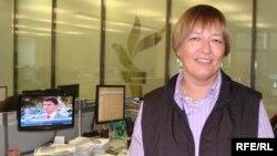 Председатель редакционной коллегии независимой газеты «Республика» Ирина Петрушова в редакции радио Азаттык. Прага, 7 октября 2009 года.