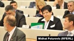 Dušanka Majkić je zastupnica SNSD-a u Parlamentu BiH, svojevremeno je odlučila otići u penziju, no samo dva dana kasnije ponovo je zasnovala radni odnos