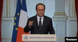 Франсуа Олланд выступает с обращением к нации после теракта в Ницце
