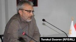 Руководитель аналитического консорциума «Перспектива» Валентин Богатырев, Бишкек, 30 августа 2011 года.