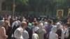 Zeci de extremiști ortodocși au atacat marșul solidarității pentru drepturile persoanelor LGBT de la Chișinău (VIDEO)