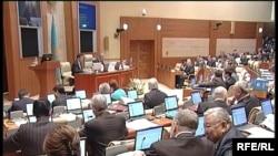 Қазақстан парламенті Мәжілісінің жалпы отырысы өтіп жатыр. Астана.