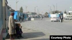 Бекободдаги ўзбек-тожик чегара пункти.