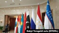 В саммите ШОС примут участие больше десяти глав государств.