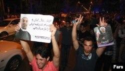 Иран -- Хасан Руханинин тарапкерлери анын жеишин майрамдоодо. Тегеран, 15-июнь, 2013.