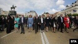 Политици водят шествието за 24 май в София