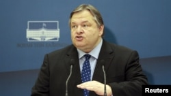 Грекия социалистер партиясының (ПАСОК) төрағасы Эвангелос Венизелос. 7 мамыр 2012 жыл.