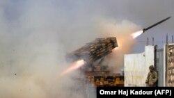 Турецкая мобильная ракетная установка ведёт огонь по сирийским войскам в окрестностях Алеппо. 14 февраля 2020