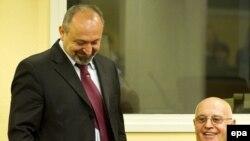 Vujadin Popović i Ljubiša Beara u sudnici Haškog tribunala