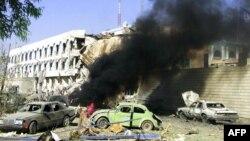 مقر بعثة الأمم المتحدة في العراق بعد تعرضة لجوم إرهابي في 19 آب 2003 راح ضحيته سيرجيو دي مييو، الممثل الخاص لأمين عام الأمم المتحدة.