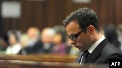 Оскар Писториус в зале суда в Претории.