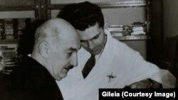 Илья Зданевич и директор парижской типографии «Унион» Луи Барнье. 1960-е