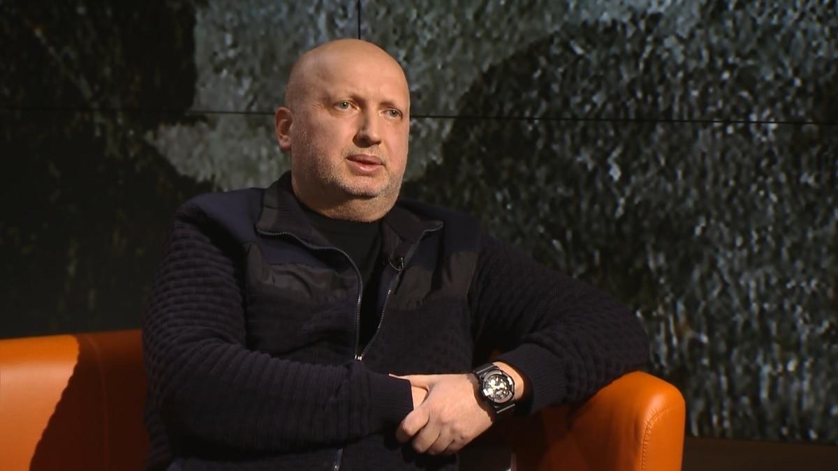 Александр Турчинов: «Там, где в Крыму выполняли приказ, выходили и с оружием, и с флагами»