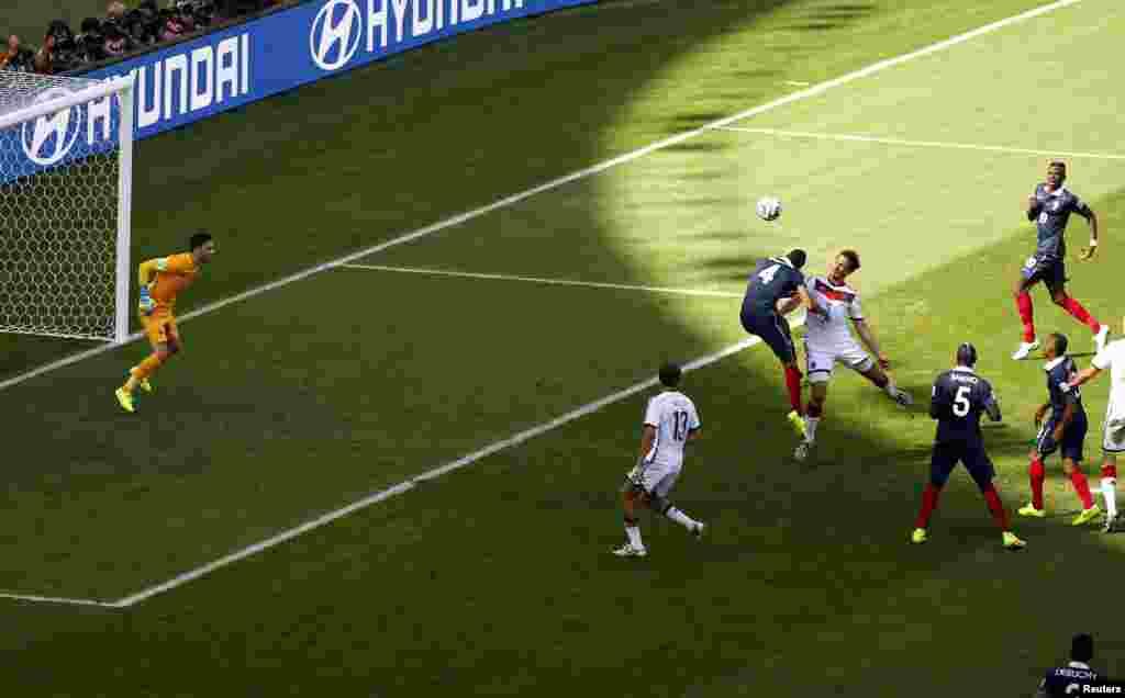 Fransa-Almaniya – 0:1. Mats Hummels fransızların qapısına qol vurur.