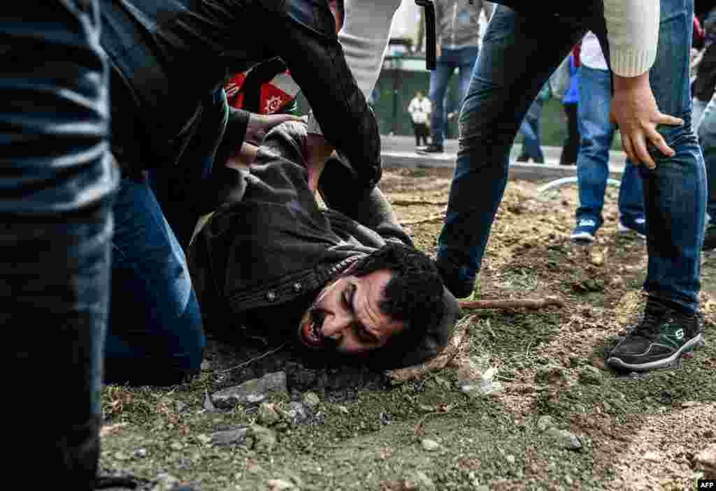 ТУРЦИЈА - Во Истанбул е издадена наредба за апсење на 56 лица во рамки на истрагата за поврзаност со исламскиот проповедник Фетулах Ѓулен, објави приватниот телевизиски канал Си-Ен-Ен -Турк.