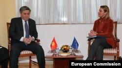 Federica Mogherini və Erlan Idrisov