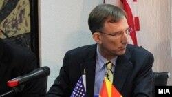 амбасадорот на САД во Македонија Пол Волерс