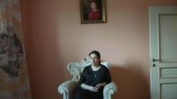 """Алена Полынь, кадр из фильма Анны Маслаковой """"Ведьма Путина"""""""