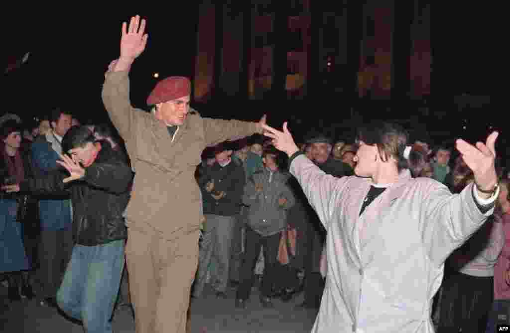 A Georgian national guard dances on April 10, 1991, in Tbilisi after the republic declared independence from the Soviet Union.