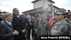 Заменик генералниот секретар на НАТО Роуз Готелмер за време на посетата на Црна Гора.