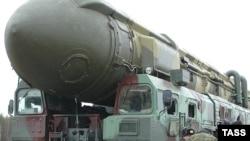موشک قاره پیمای توپول (عکس: ITAR-TASS)