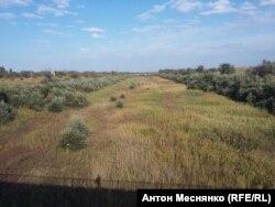 Высохший Северо-Крымский канал в Армянске