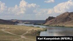 Река Или в Алматинской области. 8 июля 2013 года.