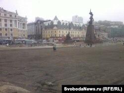 До саммита две недели. Центральная площадь Владивостока