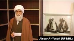 تمثال لشخصية رجل الدين الشيخ محمد كاظم الخراساني