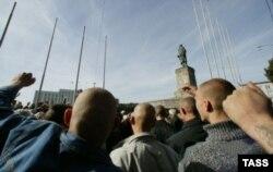 Rusiya - Kalininqradda skinhedlərin açıq havada toplantısı