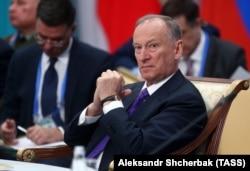 За інформацією джерел журналістів, Геннадій Кернес і Роберт Тедеєв у Москві зустрічались саме з секретарем Ради безпеки Росії Миколою Патрушевим