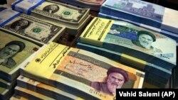 ارزش ریال، واحد پولی ایران به پایینترین سطح آن در برابر دالر سقوط کرد.