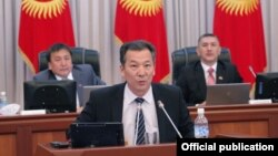 Акыйкатчы Бакыт Аманбаев парламентте, 3-октябрь, 2013